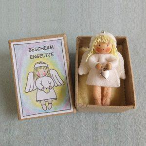01100P1181 Bescherm-engeltje-in-een-doosje-1